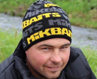 kostocapica 405x330 - Mikbaits čiapka čierno / šedo / žltá